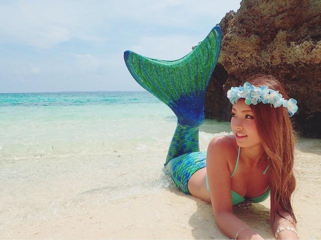 「海なう」「プールなう」と水着ビキニ姿の自撮りをアップするリア充たちがツイッターに溢れる!