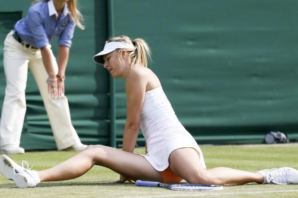 テニスの真剣勝負で見せたパンチラ画像 part2
