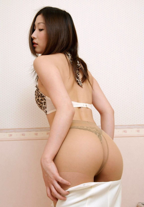 ズホン・スカート脱ぎのエロ画像